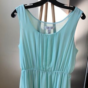 Light Green Sleevless Maxi Dress with Pleats